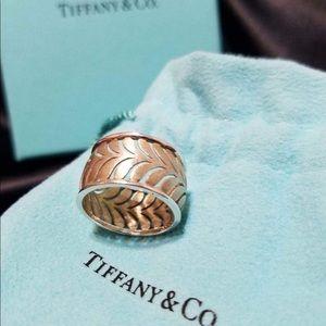 Tiffany & Co. Paloma Picasso Villa Palm Leaf Ring